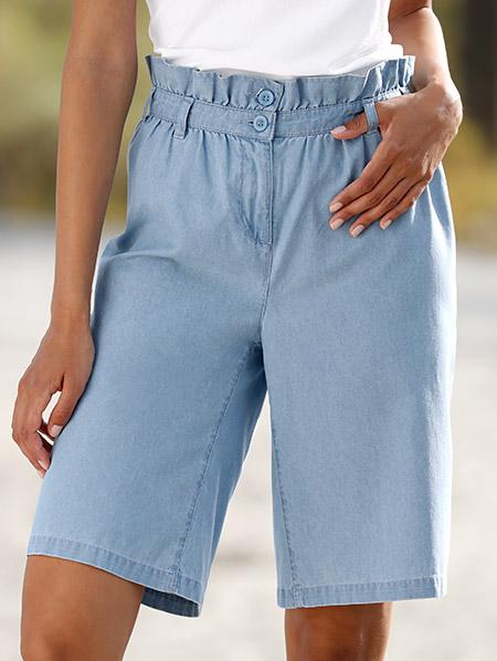 Shorts Knielang Hellblau