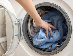 WENZ Waschmaschine beladen
